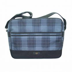 Bolso Navy Tartan Nylon de Fred Perry Clothes